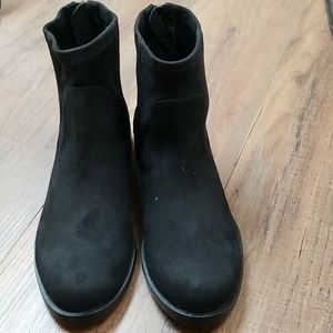 Kenneth Cole Reaction Wind Booties